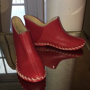Shoes - 🔴🔴Red leather sheepskin slippers